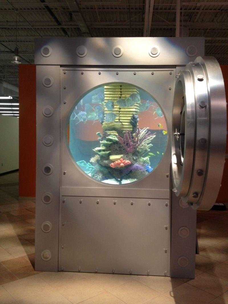 L 39 aquarium coffre fort for Atm fish tank